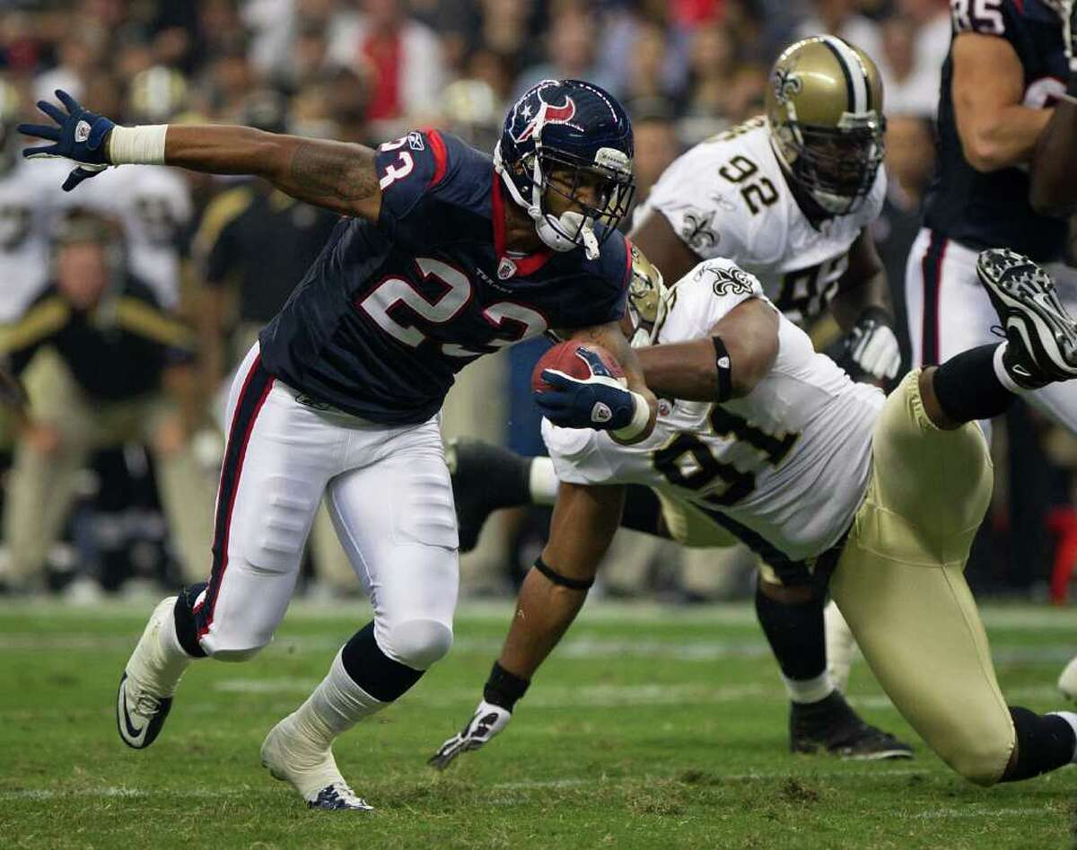 Arian Foster led the NFL in rushing in 2010 with 1,616 yards.