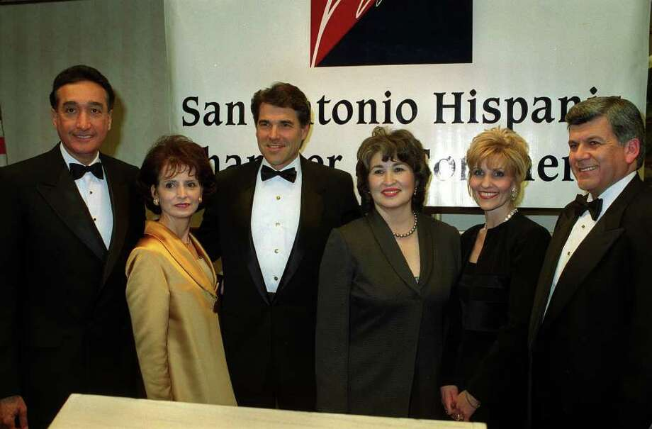 "The San Antonio Hispanic Chamber of Commerce. Shown (L-R) are Henry Cisneros, new chair, Mary Alice Cisneros, Texas Gov. Rick Perry , Rita Elizondo, Chamber President, Tanny Guerra,Heriberto ""Berto"" GuerraJr. ,Outgoing Chair. Photo: ANTHONY PADILLA , SAEN / SAEN"