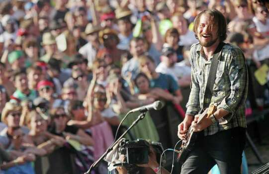Brian Aurbert of the Silversun Pickups performs at the Austin City Limits Music Festival in Austin, Texas on Sunday, Sept. 28, 2008.(AP Photo/Jack Plunkett) Photo: Jack Plunkett, FRE / PLUNJ