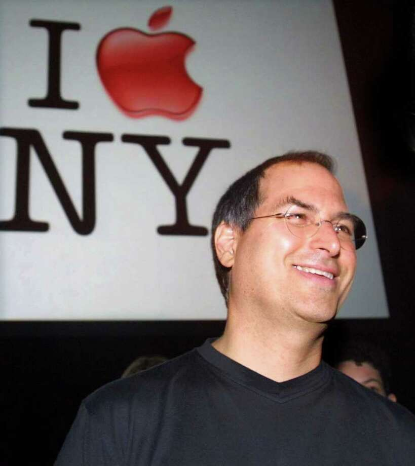 Steve Jobs, CEO of Apple, smiles after delivering the keynote address at the Macworld Conference and Expo July 18, 2001 in New York City. Photo: Mario Tama, Getty Images / Getty Images North America