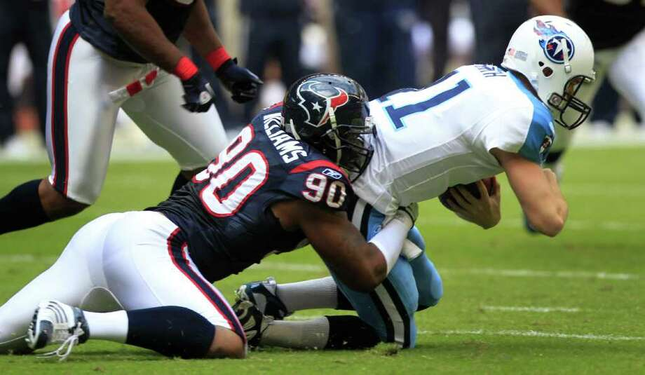 The Texans hope from more of this from Mario Williams as he switches from defensive lineman to linebacker. Photo: Brett Coomer, Chronicle / Houston Chronicle