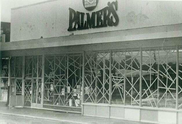 Hurricane Gloria  Sept.  27,1985 - Palmer's market in Springdale with windows taped up to protect against wind. Photo: File Photo, ST / Stamford Advocate File Photo