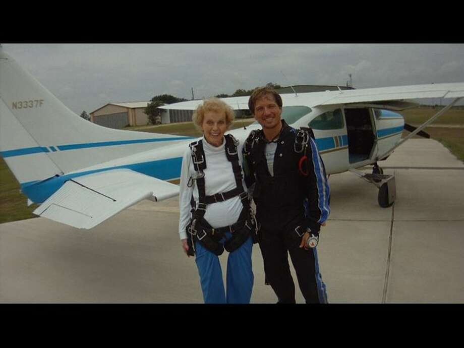 Leauise Graves and her instructor, after she skydived at age 85 Photo: Courtesy