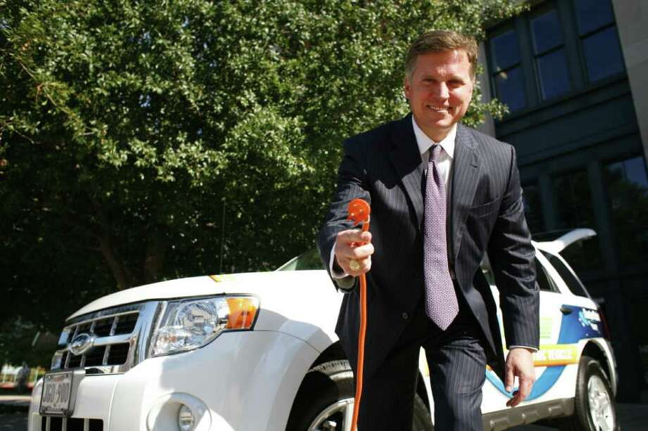 Barry Smitherman (cq), chairman of the Public Utility Commission of Texas is the keynote speaker for the a Plug-In Texas round table discussion held Thursday, Nov. 12, 2009, in Minute Maid Park in Houston. Smitherman taked about Texas' vast potential for wind energy and driving an electric car. ( Nick de la Torre / Chronicle ) Photo: Nick De La Torre, Staff / Houston Chronicle