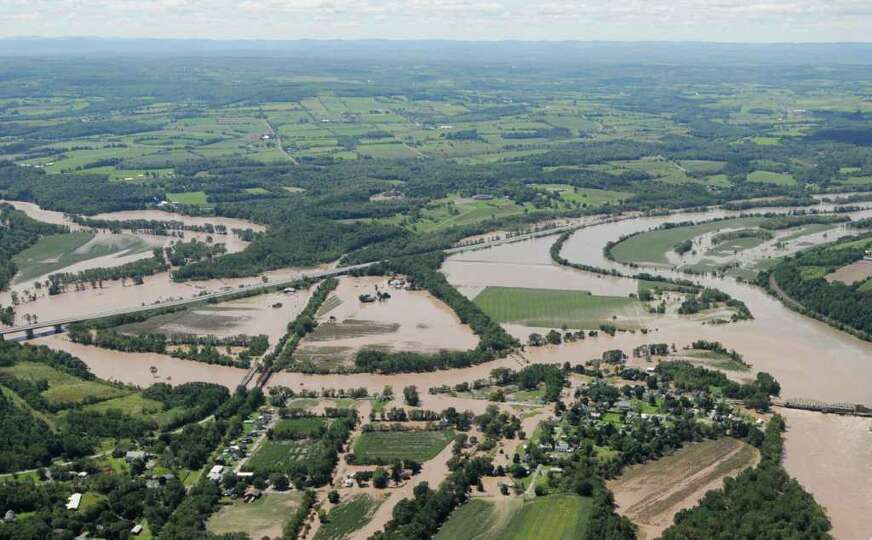 Flooding of the Schohaire at Fort Hunter N.Y. Monday Aug. 29, 2011.  (Will Waldron / Times Union)