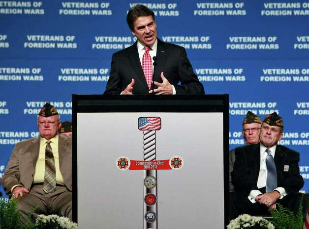 Governor Rick Perry speaks at the Veterans of Foreign Wars National Convention at the Henry B. Gonzalez Convention Center in San Antonio on Monday, August 29, 2011. Photo: LISA KRANTZ, LISA KRANTZ/lkrantz@express-news.net / lkrantz@express-news