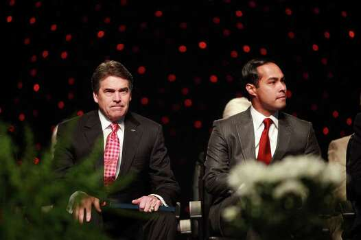 Governor Rick Perry, left, and Mayor Julian Castro wait to speak at the Veterans of Foreign Wars National Convention at the Henry B. Gonzalez Convention Center in San Antonio on Monday, August 29, 2011. Photo: LISA KRANTZ, LISA KRANTZ/lkrantz@express-news.net / lkrantz@express-news