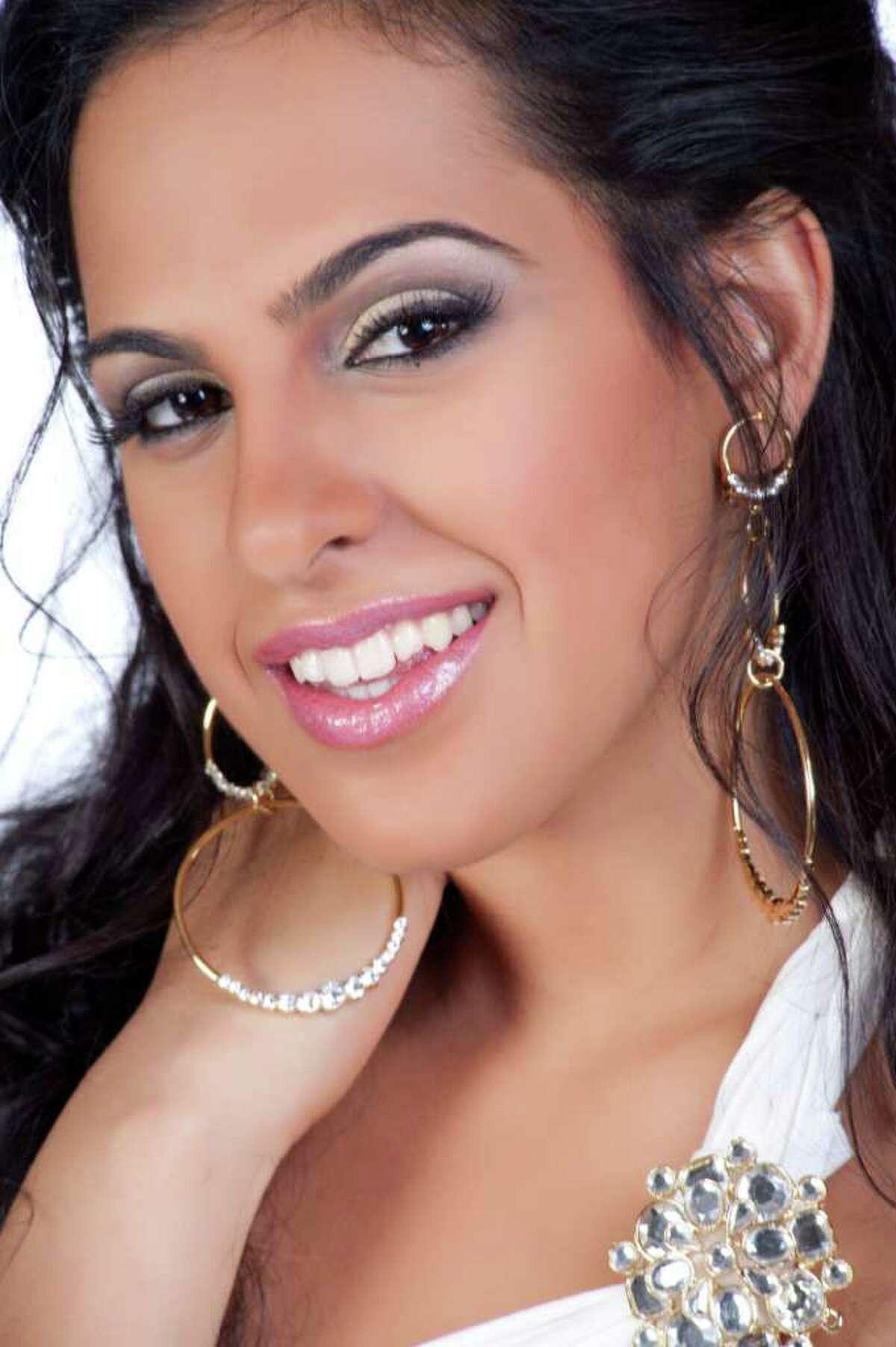 Miss Sri Lanka 2011, Stephanie Siriwardhana.