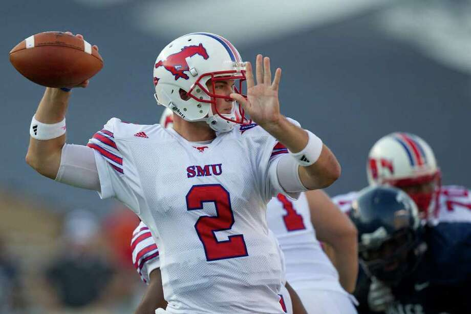 3. SMU (8-4, 5-3): Don't be surprised if the Mustangs win the West again behind QB Kyle Padron. Photo: Smiley N. Pool, Houston Chronicle / Houston Chronicle
