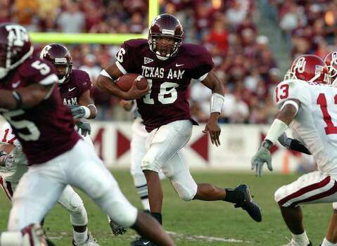Texas A&M's rookie quarterback Reggie McNeal threw for four touchdown passes and rushed for 89 yards to lead the Aggies to a 30-26 win over Oklahoma at Kyle Field Stadium on Saturday, November 9, 2002. Photo: KIN MAN HUI, SAEN / SAN ANTONIO EXPRESS-NEWS