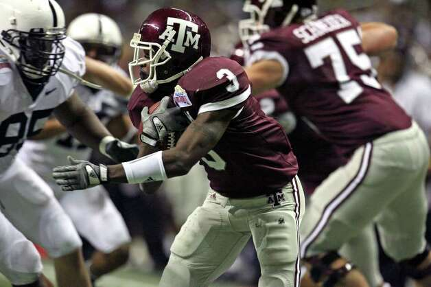 Texas A&M's Mike Goodson moves against Penn State in the second half Saturday during the Alamo Bowl. Penn State's during first half actiton of the Valero Alamobowl Saturday Dec. 29, 2007 at the Alamodome. The Aggies lost 24-17. One of the lows of Texas A&M's time with the Big 12 was the team's 1-9 bowl record. Photo: TOM REEL, SAEN / SAN ANTONIO EXPRESS-NEWS