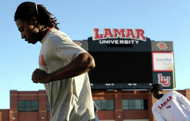 Jeremy Johnson works on his footwork during a team workout at Lamar University in Beaumont, Wednesday. Tammy McKinley/The Enterprise Photo: TAMMY MCKINLEY / Beaumont