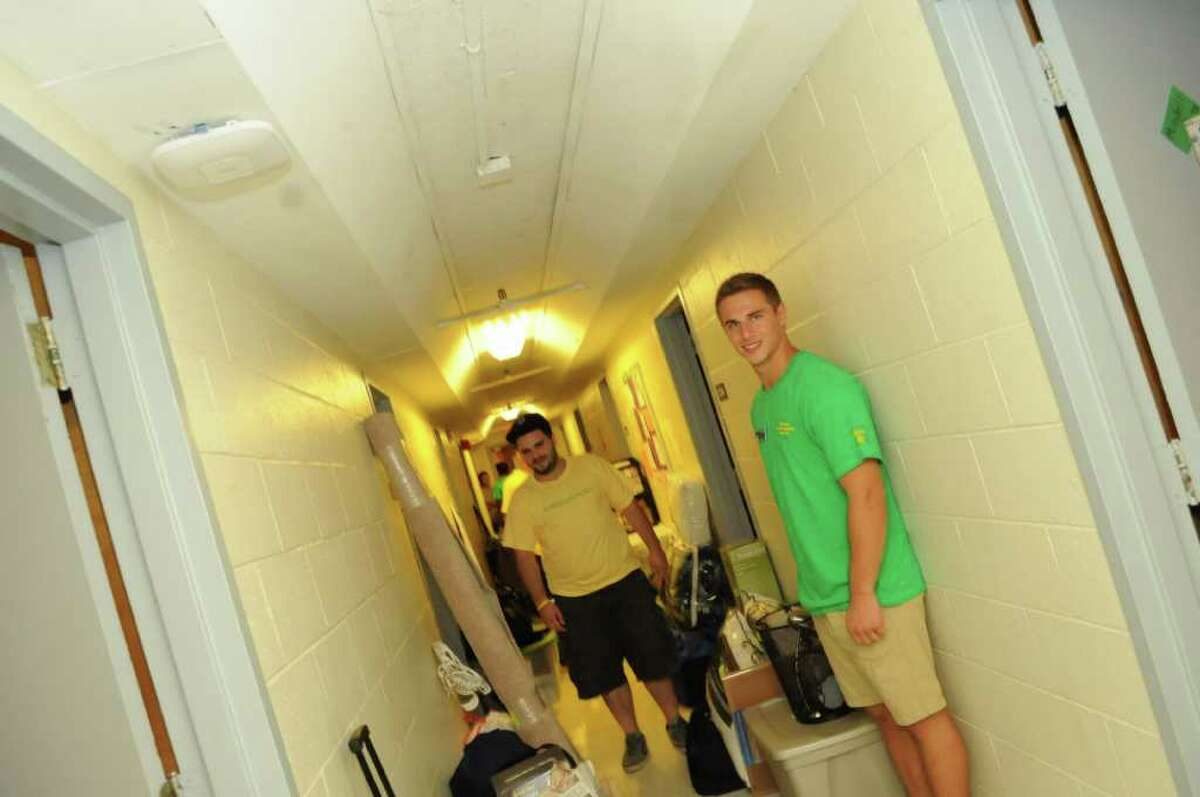 Seen: Siena College Freshmen Move In Day 2011