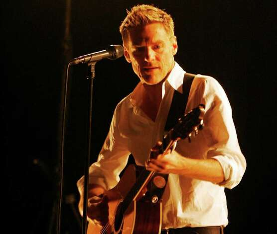 Bryan Adams. Photo: STEFFEN SCHMIDT, SUB / AP2008