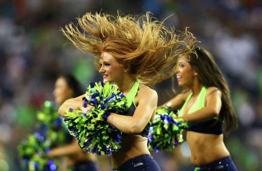 Seattle Seahawks Sea Gals cheerleaders perform during the second half. Photo: JOSHUA TRUJILLO / SEATTLEPI.COM