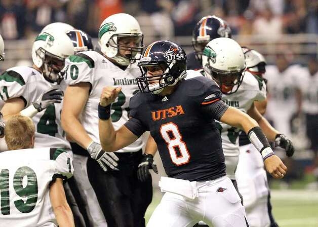 UTSA's Eric Soza (08) reacts after scrambling for a first down against Northeastern State at the Alamodome on Saturday, Sept. 3, 2011. Kin Man Hui/kmhui@express-news.net Photo: Kin Man Hui, Express-News / SAN ANTONIO EXPRESS-NEWS (NFS)
