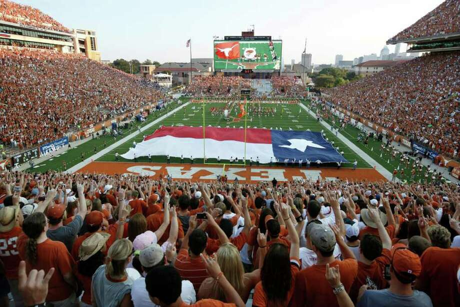 Longhorn nation will be another family for running back Malcolm Brown. Photo: Erich Schlegel, Getty / 2011 Getty Images