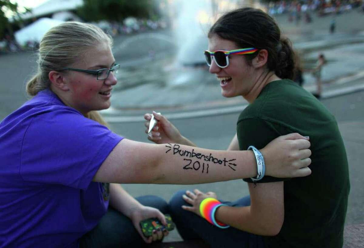 Kara Alden, 15, uses henna to write
