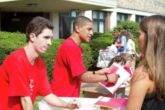 Freshman Move in, Fairfield University, September 4th, 2011 Photo: Mike Dominguez / Hearst Connecticut Media Group