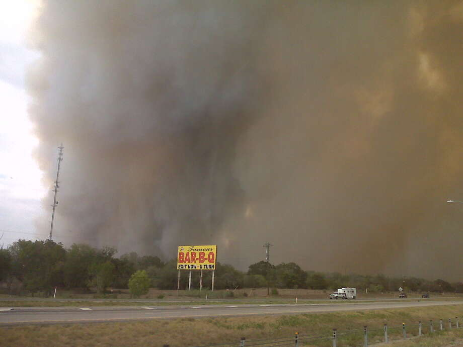The Bailey fire burned north of Interstate 10 on Sunday. (Photo by Clara Fowler, for the Chronicle)