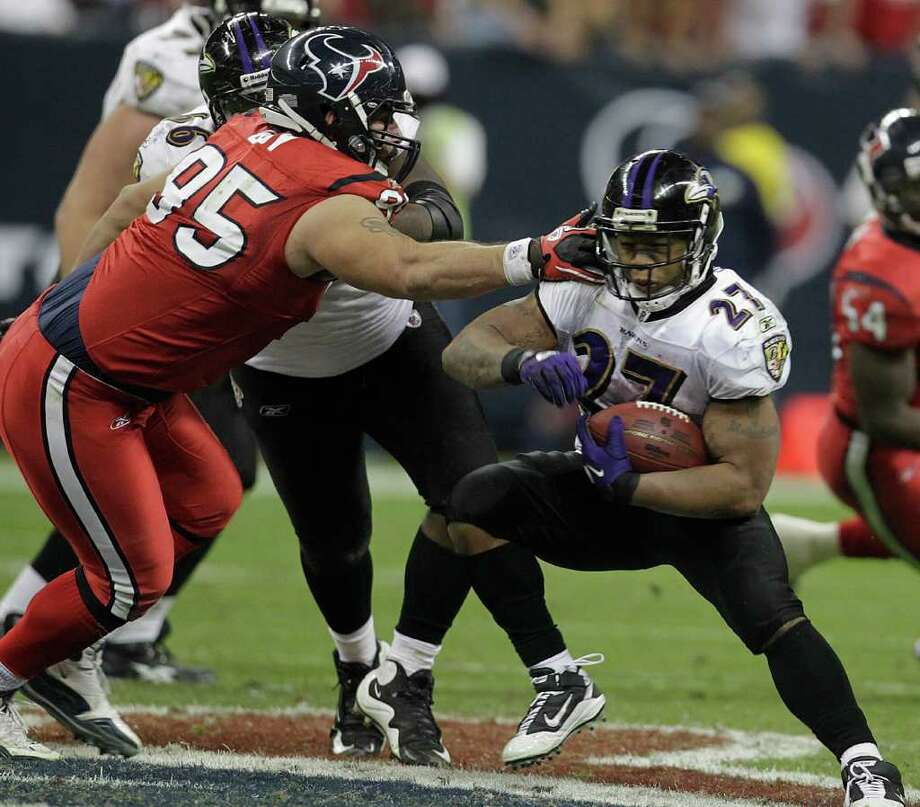 Week 6, Oct. 16. 3:05 p.m., CBS. At Baltimore. Vonta Leach scores on a one-yard run. Bernard Pollard returns a fumble for a touchdown. Ravens edge Texans for second consecutive season. Ravens 20, Texans 16. Record: 4-2 Photo: Karen Warren, Houston Chronicle / Houston Chronicle