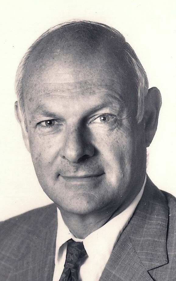 B.V. Brooks, co-founder of the Westport News and one-time publisher of Brooks Community Newspapers, died Aug. 31. Photo: Contributed Photo / Westport News contributed