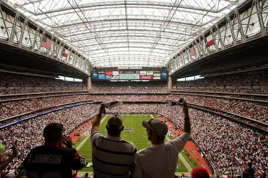 Texans fans will see their team face the Indianapolis Colts in the season opener for the second straight season. Photo: Smiley N. Pool, Chronicle / Houston Chronicle