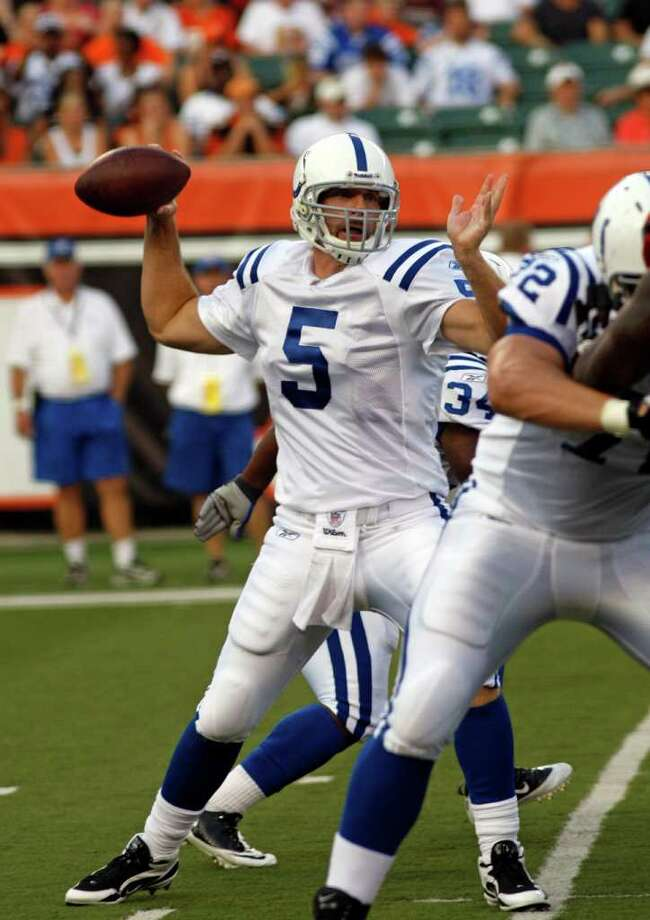 Indianapolis Colts quarterback Kerry Collins (5) in action against the Cincinnati Bengals in the first half of an NFL football game, Thursday, Sept. 1, 2011 in Cincinnati. (AP Photo/David Kohl) Photo: David Kohl, Associated Press / FR51830 AP