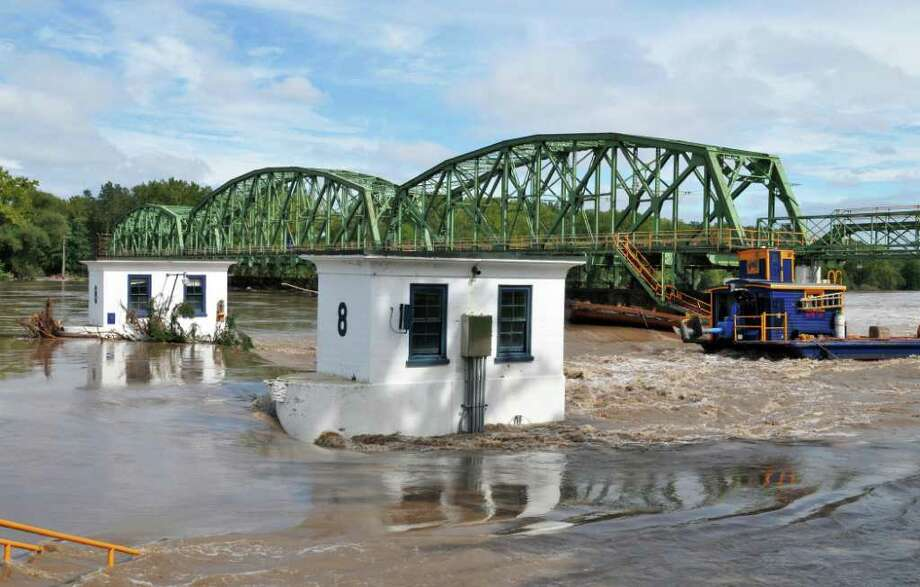 Floodwaters at Lock 8 on the Mohawk River Thursday Sept. 08, 2011.  (John Carl D'Annibale / Times Union) Photo: John Carl D'Annibale