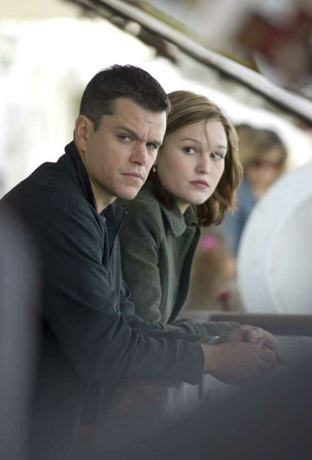 Jason Bourne (MATT DAMON) and CIA agent Nicky Parsons (JULIA STILES) on the run in the espionage thriller that takes Bourne back home: The Bourne Ultimatum.   Credit: Jasin Boland