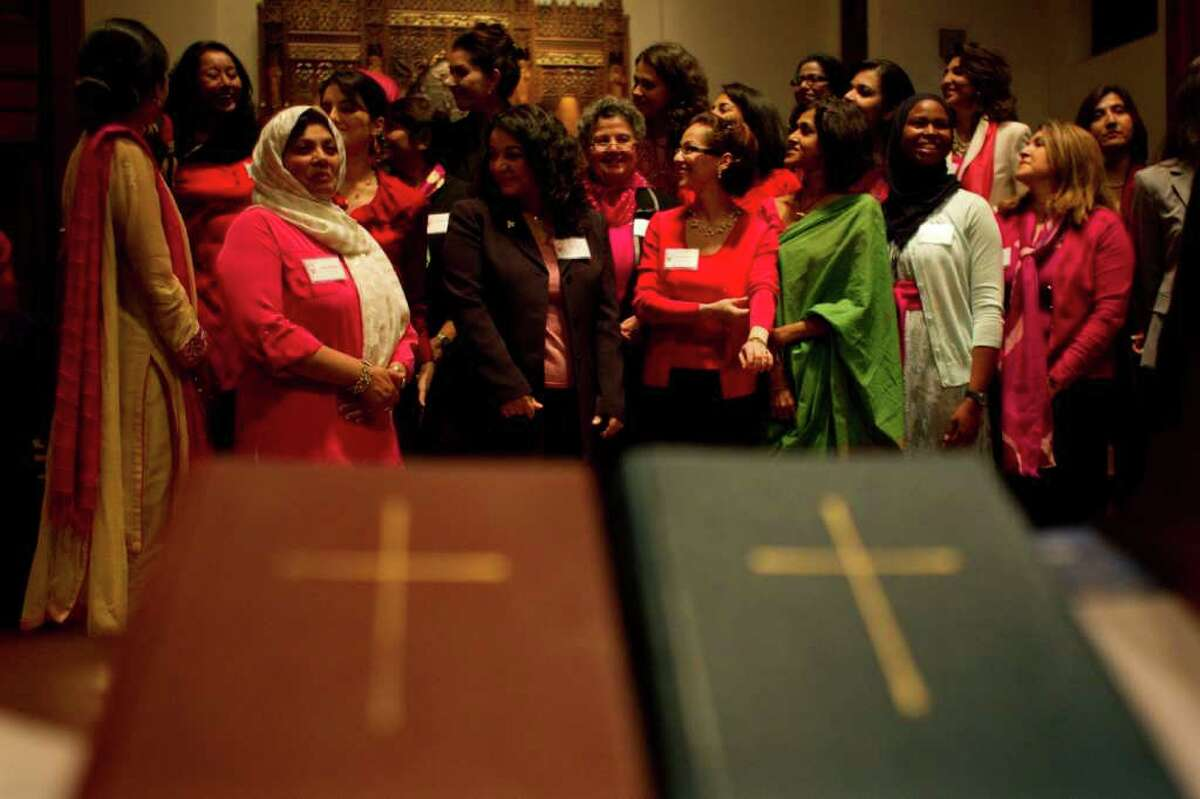JOHNNY HANSON : CHRONICLE GROUP PHOTO: Some 200 women of a variety of faiths gathered at Christ Church Cathedral in 2010 for a celebration of Muslim women.