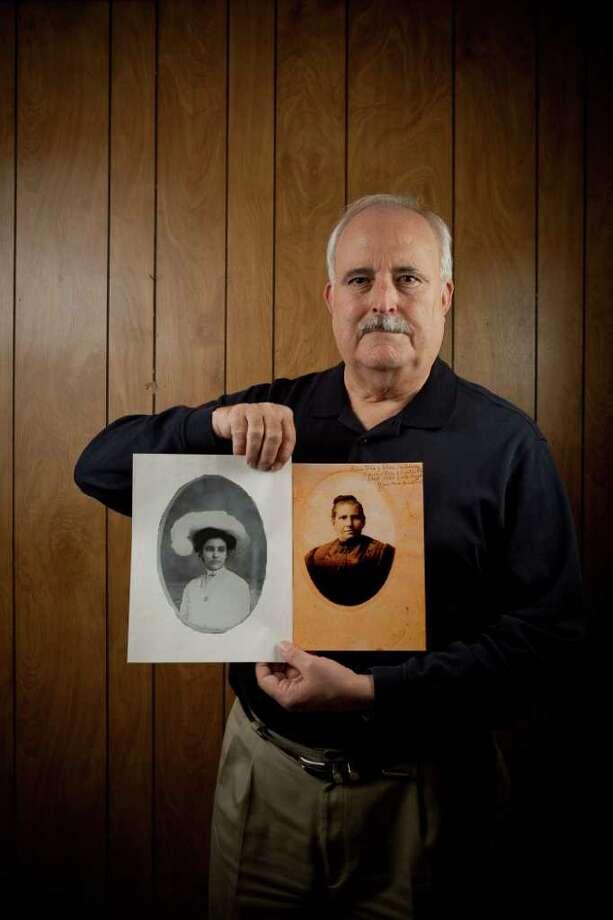 José Guerra preside la Sociedad de Genealogía Hispana de Houston. Photo: Nathan Lindstrom / Freelance