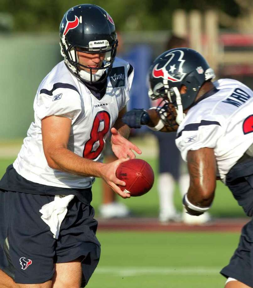 Derrick Ward, right, might get the chance to take the ball from quarterback Matt Schaub and run with it a lot come Sunday if Arian Foster's hamstring isn't healed. (BRETT COOMER: CHRONICLE) Photo: Brett Coomer / © 2010 Houston Chronicle