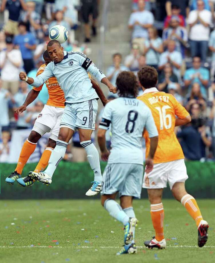 KANSAS CITY, KS - SEPTEMBER 10:  Teal Bunbury #9 of Sporting Kansas City wins a header during the first half of the MLS game against the Houston Dynamo on September 10, 2011 at LiveStrong Sporting Park in Kansas City, Kansas. Photo: Jamie Squire, Getty / 2011 Getty Images