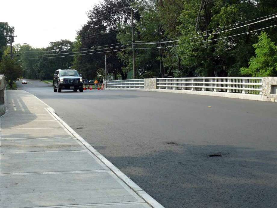 The Mill Plain Road bridge, closed to traffic since last year, re-opened over last weekend. Photo: Genevieve Reilly / Fairfield Citizen