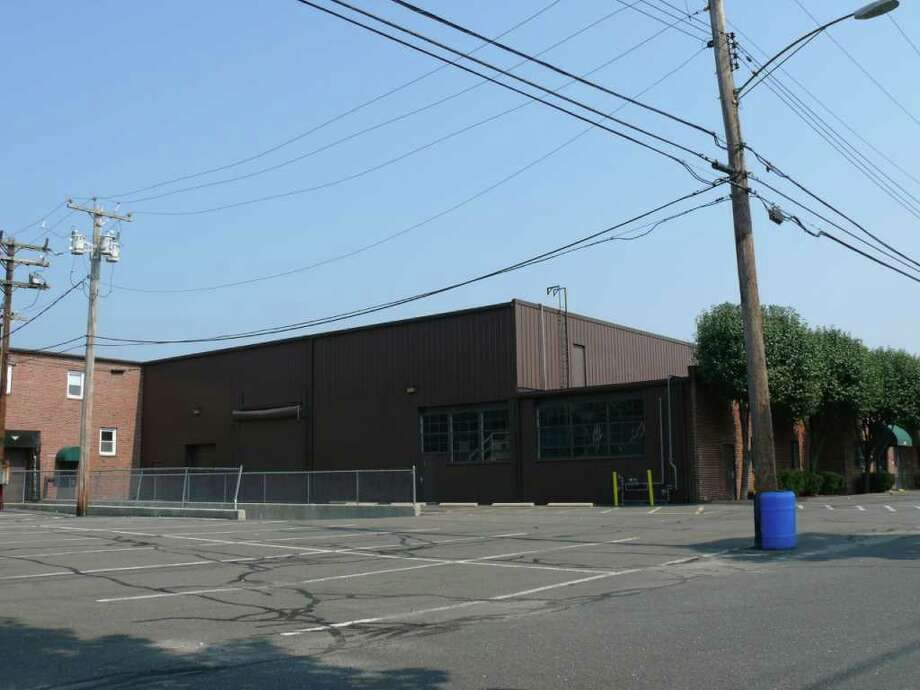 The Town Plan and Zoning Commission denied an application to open a service facility for Honda of Westport in an empty building on Linwood Avenue. Photo: Genevieve Reilly / Fairfield Citizen
