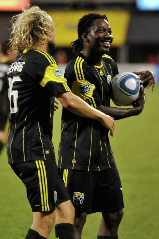 Andres Mendoza of the Columbus Crew celebrates after scoring the first of two second-half penalty kick goals. Photo: Jamie Sabau, Getty / 2011 Getty Images