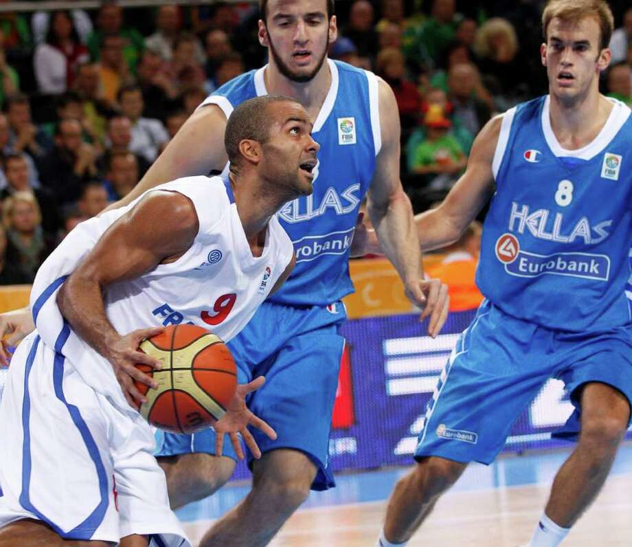 France's Tony Parker during the EuroBasket 2011, European Basketball Championships quarter final match against Greece in Kaunas, Lithuania, Thursday, Sept. 15, 2011. Photo: Mindaugas Kulbis, Mindaugas Kulbis/Associated Press / AP