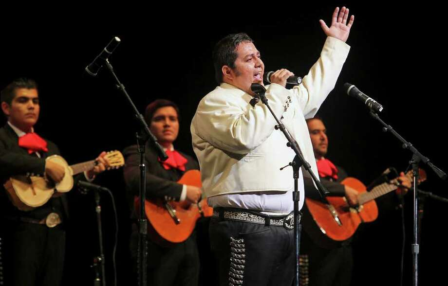 Learn how to do a grito. Photo: Tom Reel/treel@express-news.net / © 2011 San Antonio Express-News