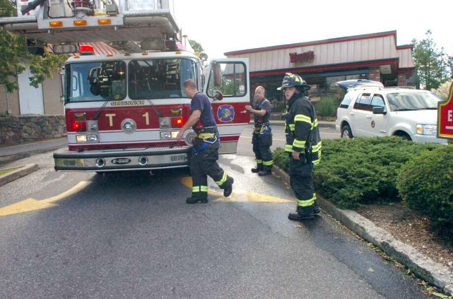 Greenwich, Oct. 8, 2009.  The fire at Wendys on West Putnam Ave. Photo: Helen Neafsey / Greenwich Time