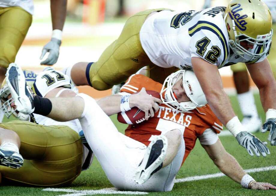 Last season, Texas was routed by UCLA and then went on to lose seven of its last nine games. Photo: VERNON BRYANT/Staff Photographer / 10005233A