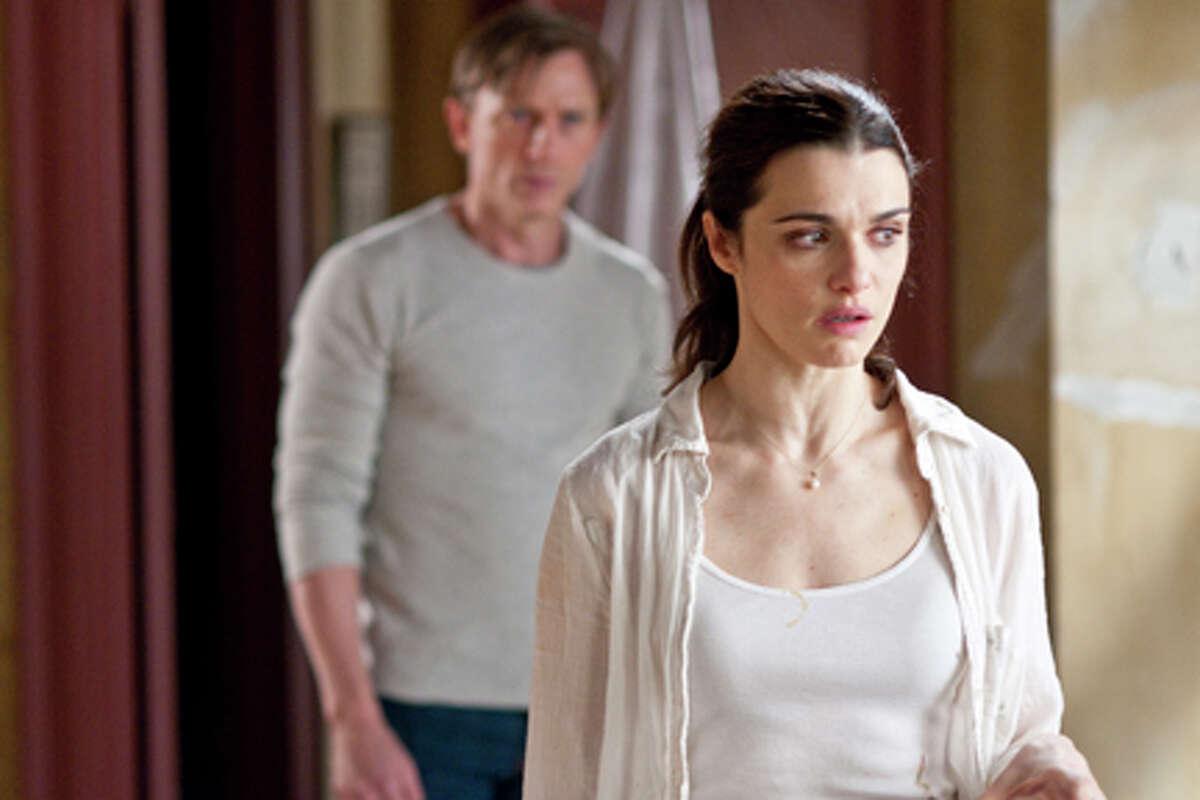 Daniel Craig as Will Atenton and Rachel Weisz as Libby Atenton in