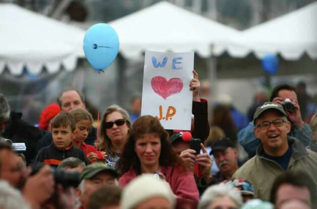 A fan holds up a sign during J.P. Patches' final public performance. Photo: JOSHUA TRUJILLO / SEATTLEPI.COM