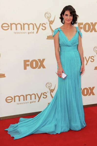 LOS ANGELES, CA - SEPTEMBER 18:  Actress Cobie Smulders arrives at the 63rd Annual Primetime Emmy Aw