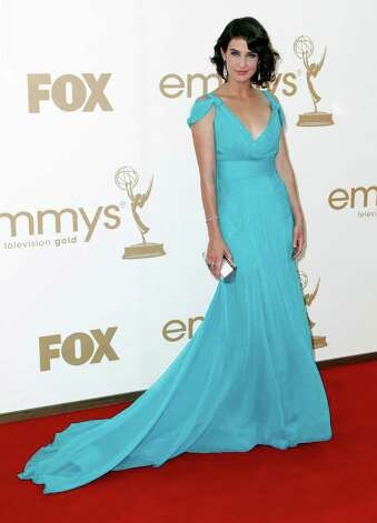 Cobie Smulders arrives at the 63rd Primetime Emmy Awards on Sunday, Sept. 18, 2011 in Los Angeles. Photo: AP