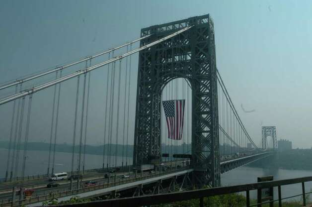 World's largest frre flying flag on George Washington Bridge hung as tribute to victims of 9/11  .Don Smith / The Record Photo: SMITH DON, Consortium / The Record (Bergen Co., N.J.)