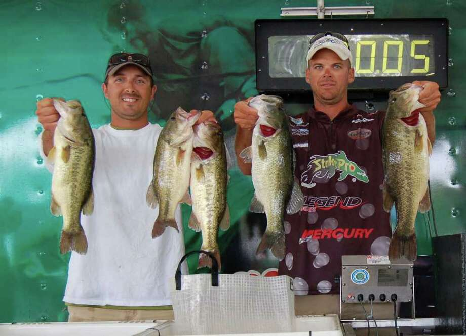 Having led day 1, Todd Castledine & Brent Broussard brought in the first sack over 20 pounds to take over the lead again on day 2.  The team ultimately won 2nd place with 38.28 lbs  Photo by Patty Lenderman / Lakecaster
