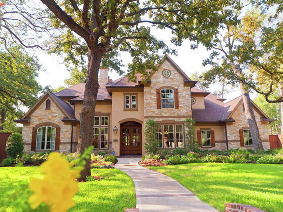 Located in the Gaywood subdivision of Harris County, this home was built in 2009 and offers 5,693 square feet of living space.