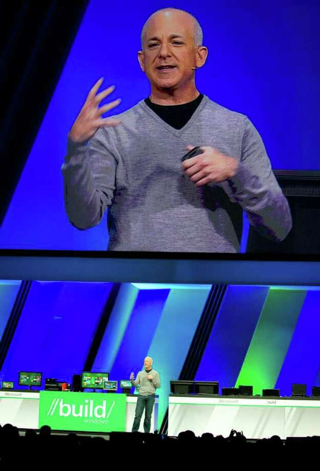 MARK RIGHTMIRE : ORANGE COUNTY REGISTER WIN-WIN WINDOWS: Steven Sinofsky, president of Windows and Windows Live, previewed Windows 8 at a Microsoft conference in Anaheim, Calif., last week. Photo: Mark Rightmire / The Orange County Register