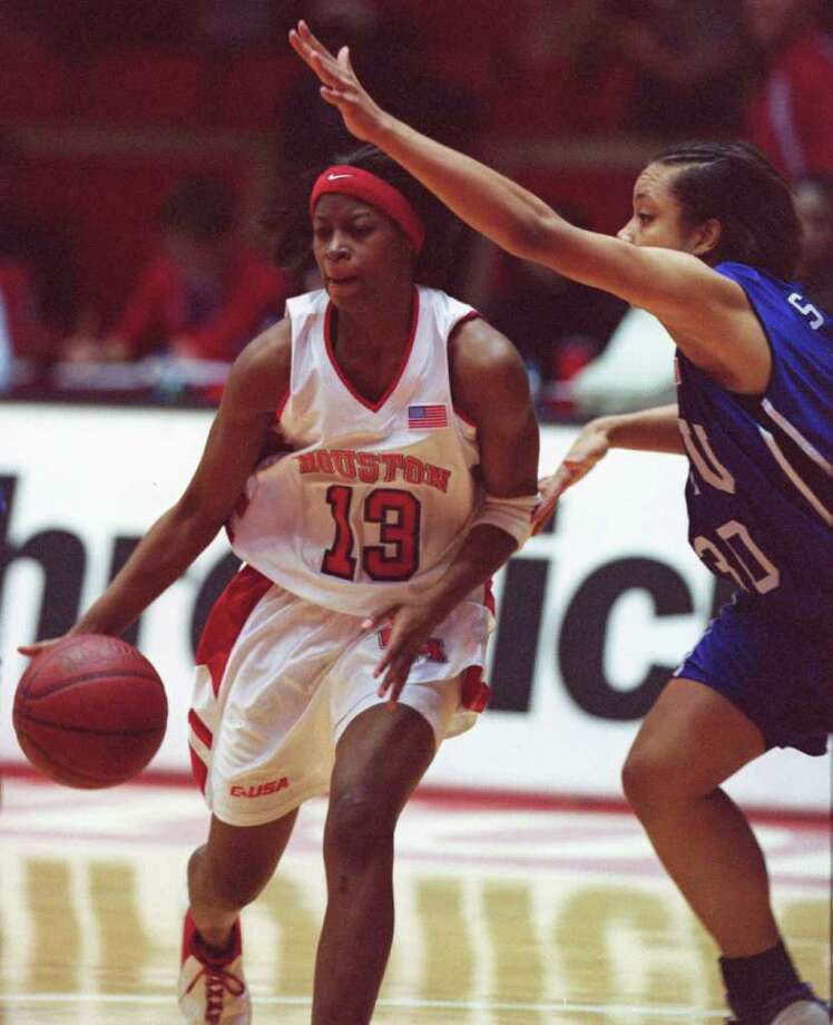 UH has hired former WNBA and Cougars star Chandi Jones as video coordinator for the women's basketball team. Photo: Melissa Phillip, Houston Chronicle / Houston Chronicle